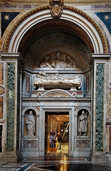 Tombstone of Pope Innocent III, end of the XIX century, basilica transept of San Giovanni in Laterano