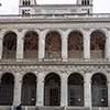 Loggia Sykstusa V w fasadzie transeptu bazyliki San Giovanni in Laterano