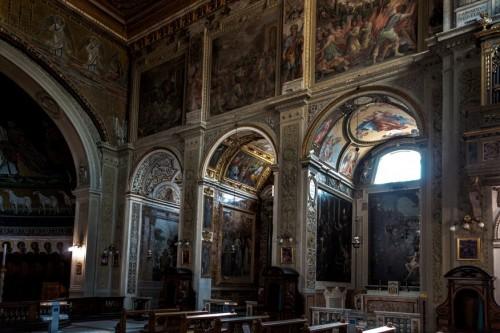 Santi Cosma e Damiano, prawa nawa kościoła