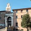 Santi Cosma e Damiano, wejście do bazyliki utworzone po II wojnie światowej