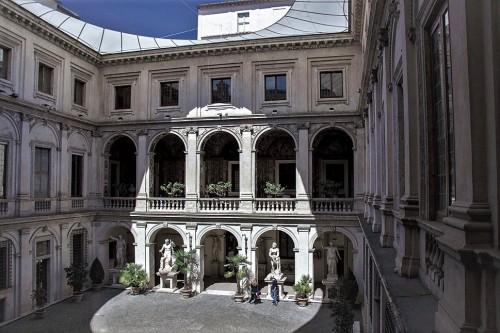Palazzo Altemps, dziedziniec pałacu