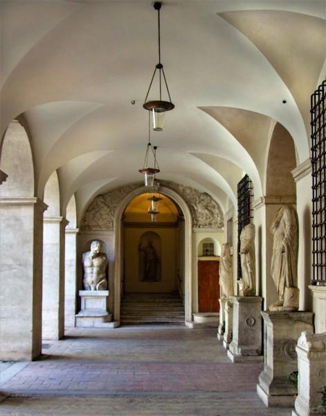 Palazzo Altemps, parter pałacu