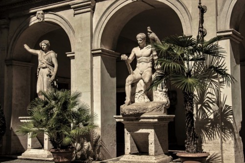 Palazzo Altemps, sculptures on the palace courtyard