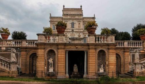 Casino di Villa Doria Pamphilj, foot of the residence