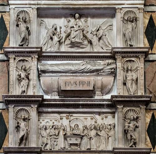 Nagrobek papieża Piusa II, fragment, kościół Sant'Andrea della Valle