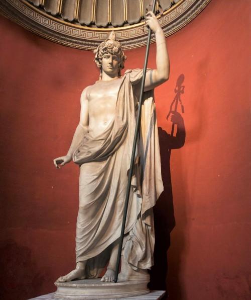 Antinous jako Bachus-Ozyrys, Musei Vaticani