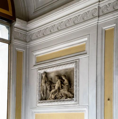 Casino Ludovisi, altana z wmurowanymi w ścianę antycznymi reliefami