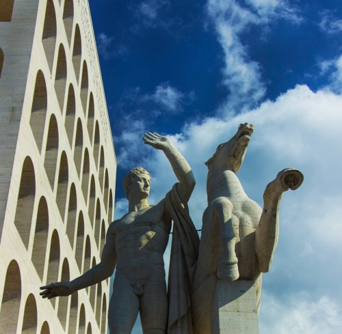 Kwadratowe Koloseum, grupa Dioskurów