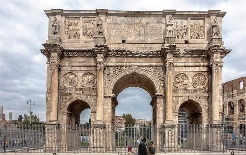 Łuk triumfalny cesarza Konstantyna Wielkiego od strony Palatynu