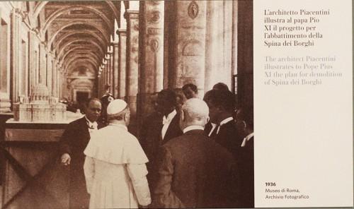 Marcello Piacentini przedstawiający papieżowi plany przyszłej via della Conciliazione