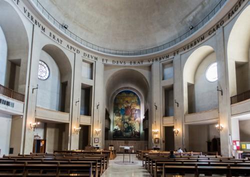 Marcello Piacentini, wnętrze Kaplicy uniwersyteckiej La Divina Sapienza, Città Universitaria