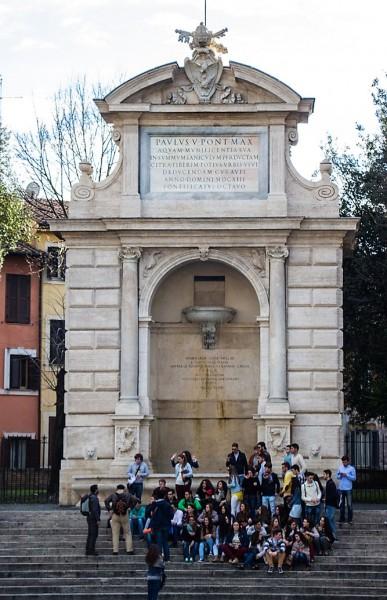 Dawna fontanna (Fontana di Ponte Sisto), fundacja papieża Pawła V, obecnie na Piazza Trilussa