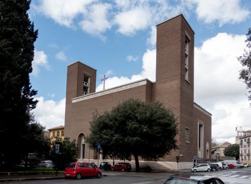 Façade of the Church of San Cuore di Cristo Re, Marcello Piacentini