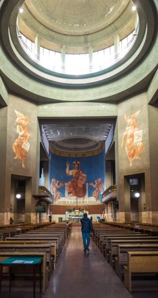 San Cuore di Cristo Re, Marcello Piacentini, Chrystus jako Sędzia - fresk w absydzie kościoła