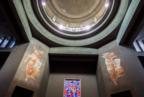 Church of San Cuore di Cristo Re, Marcello Piacentini, pillars supporting the church dome
