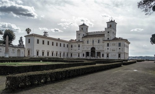 Casino od strony ogrodów, willa Medici