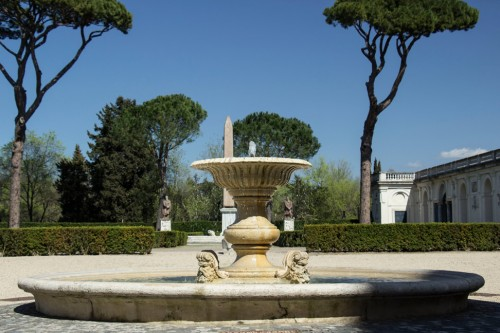 Villa Medici, view of the fountain and Egyptian obelisk (replica)