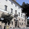Willa Medici, casino - fasada od strony ulicy