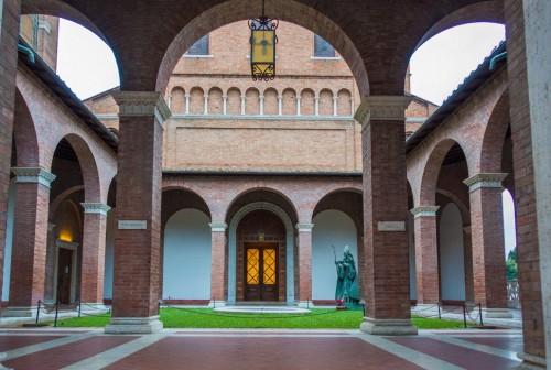 Awentyn, dziedziniec przed fasadą kościoła Sant'Anselmo