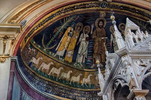 Święt Cecylia (obok papieża Paschalisa I), mozaika w absydzie bazyliki Santa Cecilia