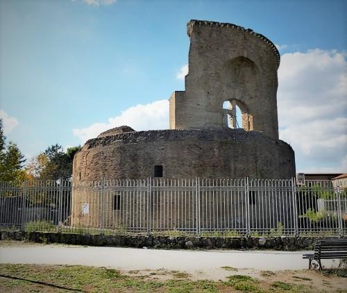Rotunda - pozostałości mauzoleum cesarzowej Heleny