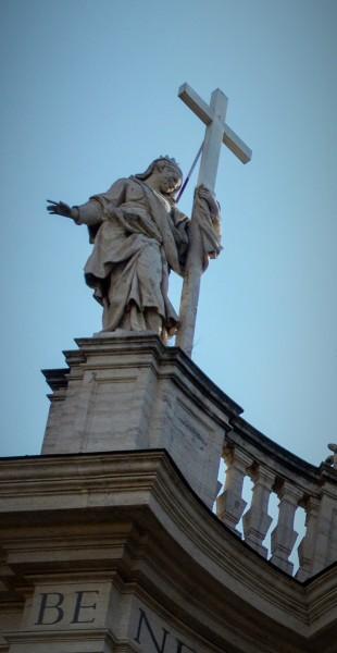 Posąg św. Heleny, zwieńczenie fasady bazyliki Santa Croce in Gerusalemme