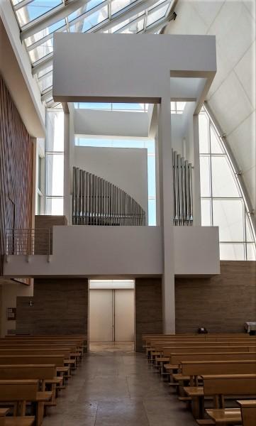Kościół Dio Padre Misericordioso, Richard Meier, widok chóru