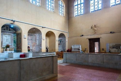 Kościół Santa Balbina, widok nawy bocznej