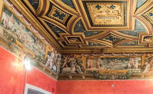 Fryz zdobiący Salę Perseusza, zamek Sant'Angelo