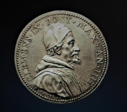 Silver medal showing the portrait of the pope Clement IX