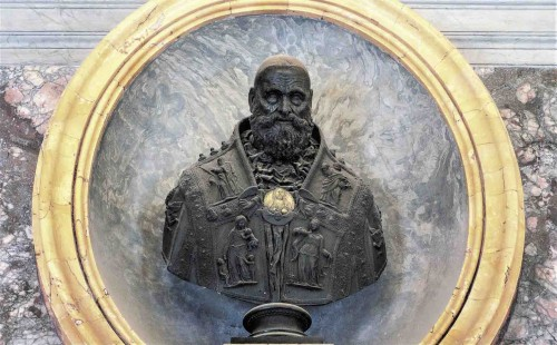 Bust of Pope Paul III, sacristy of the Basilica of San Pietro in Vaticano