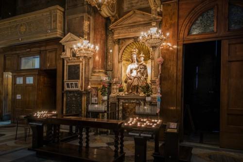 Wnętrze bazyliki Sant'Agostino, Madonna del Parto, Jacopo Sansovino