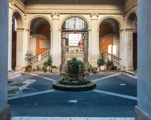 Kościół Sant'Agata dei Goti, dziedziniec wewnętrzny