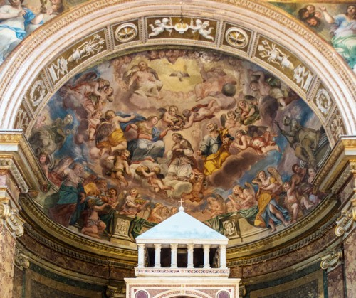 Interior of the church of Sant'Agata dei Goti, apse with frescoes depicting Gloria St. Agates, late 16th century