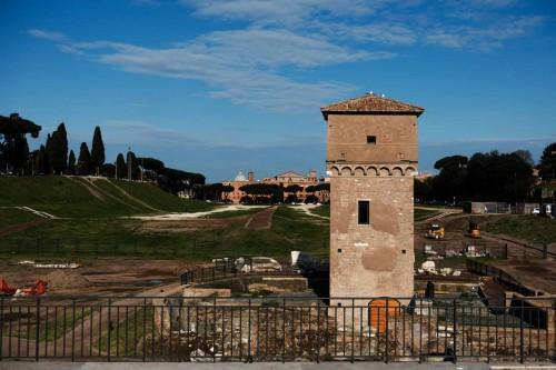 Wieża rodu Frangipani we wschodniej części dawnej budowli