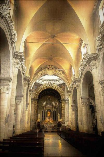 Wnętrze bazyliki Santa Maria del Popolo
