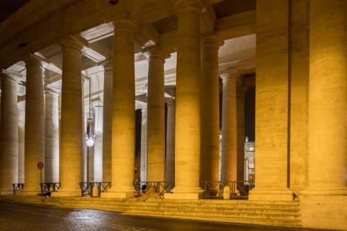 Kolumnada na placu św. Piotra, doryckie kolumny, Gian Lorenzo Bernini