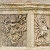 Fontanna Carla Maderny na placu św. Piotra, fragment, herb rodu Borghese papieża Pawła V