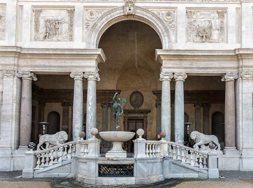 Bartolomeo Ammannati, willa Medici, casino - fasada ogrodowa, fragment (loggia Lwów i posąg Merkurego)
