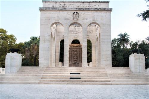 Mauzoleum na Janikulum, Giovanni Jacobucci