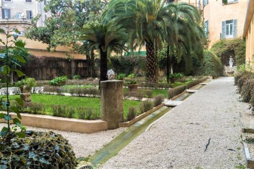 Palazzo Firenze, palace garden
