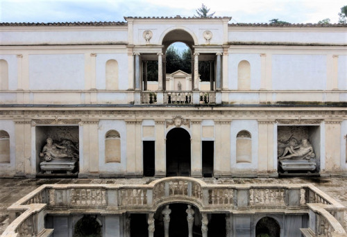 Willa Giulia, nimfeum z posągami bóstw Arno i Tybru