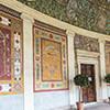 Willa Giulia, widok loggii z antykizującymi freskami