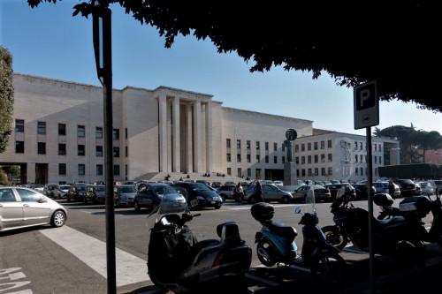 Rektorat w kompleksie uniwersyteckim La Sapienza (Città Universitaria)