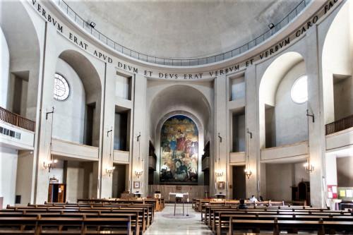 Wnętrze kościóła La Divina Sapienza w kompleksie uniwersyteckim La Sapienza, Marcello Piacentini