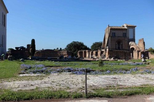 Pozostałości po fontannie znajdującej się w założeniu Domus Flavia - kompleks reprezentacyjny