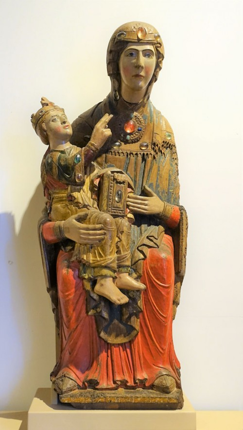 Madonna with Child, turn of the XII and XIII centuries, Roman sculptor