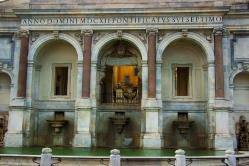 Fontana dell'Acqua Paola, część środkowa, fundacja papieża Pawła V