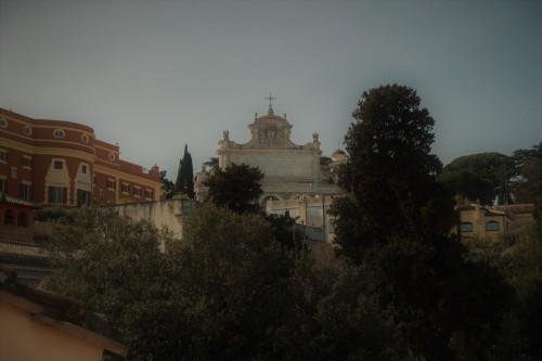 Widok na fontannę dell'Acqua Paola z tarasu na via Garibaldi