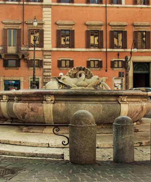 Fontana di Piazza Colonna